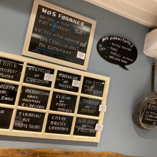 L'ardoise du café du centre disponible à partir de lundi 26 Juillet